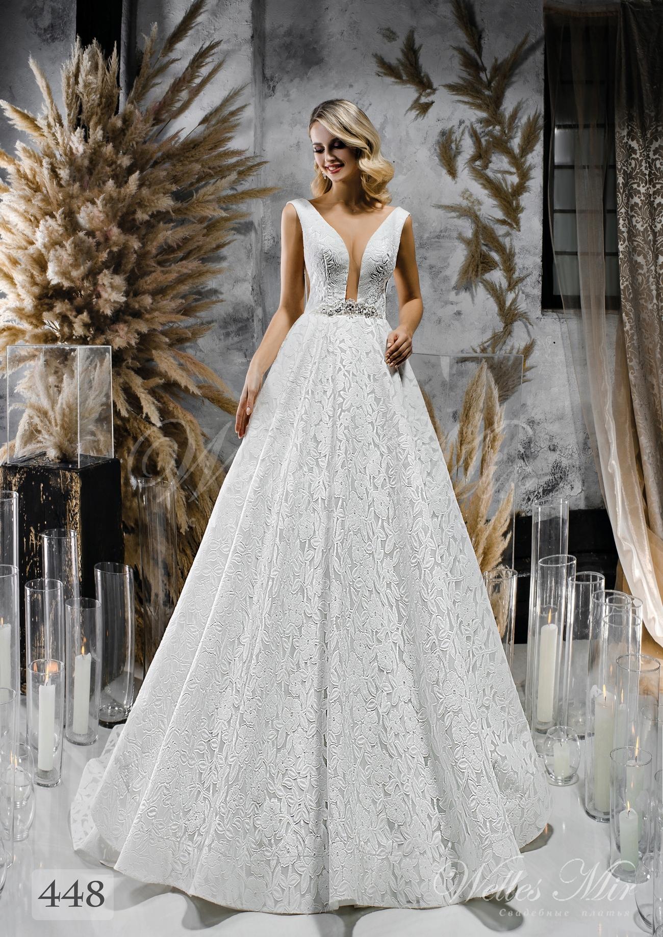 Весільна сукня з розколотим корсетом і пишною спідницею оптом