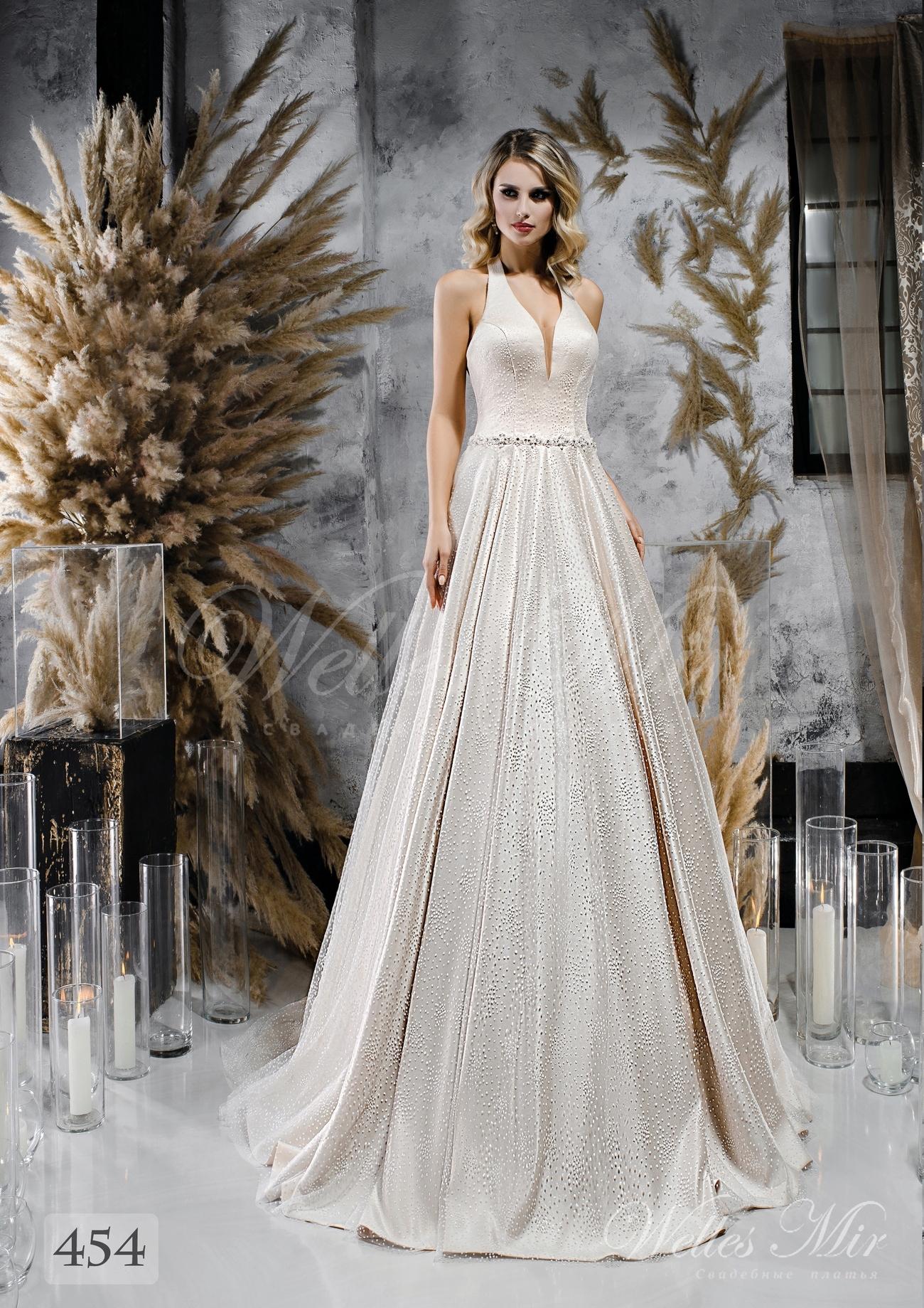Атласна весільна сукня А-силуету з лямкою через шию оптом від  WellesMir