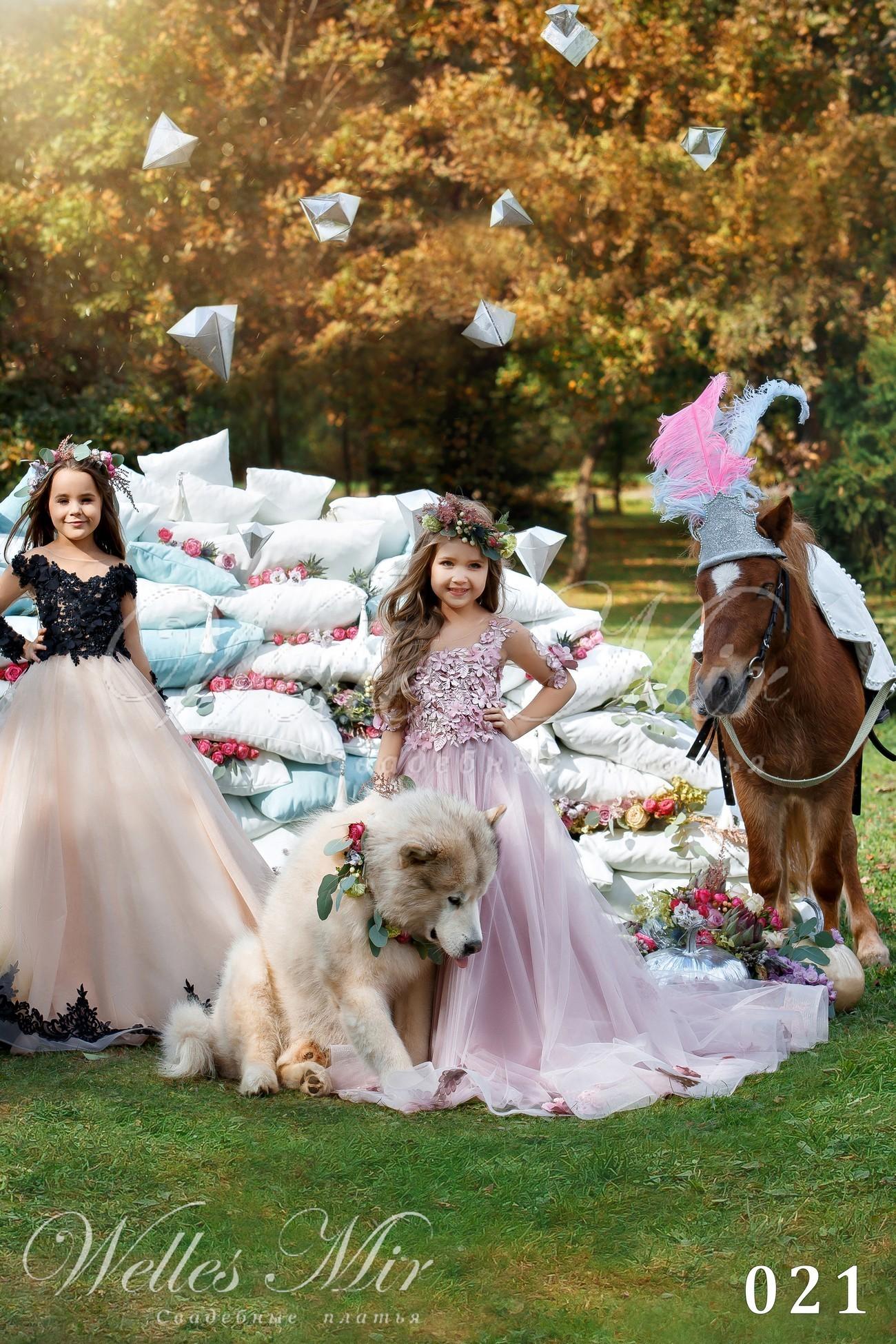 Нарядні дитячі сукні від Wellesmir