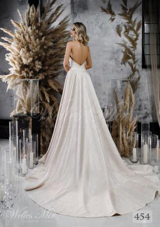 Атласна весільна сукня А-силуету з лямкою через шию оптом від  WellesMir-2